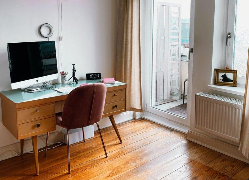 Der Arbeitsort kann auch das eigene Wohnzimmer sein.