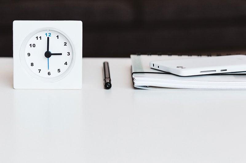 Stift und Zettel reichen für die Zeiterfassung oftmals nicht aus.