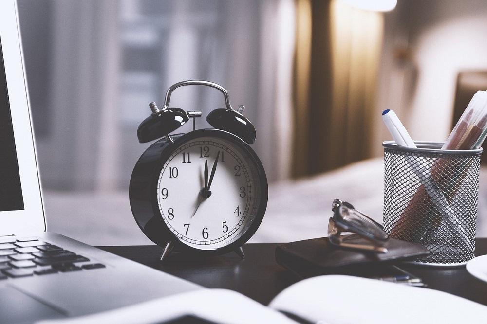 Stundennachweis mit Stundenzettel Vorlage? Geht auch einfacher!