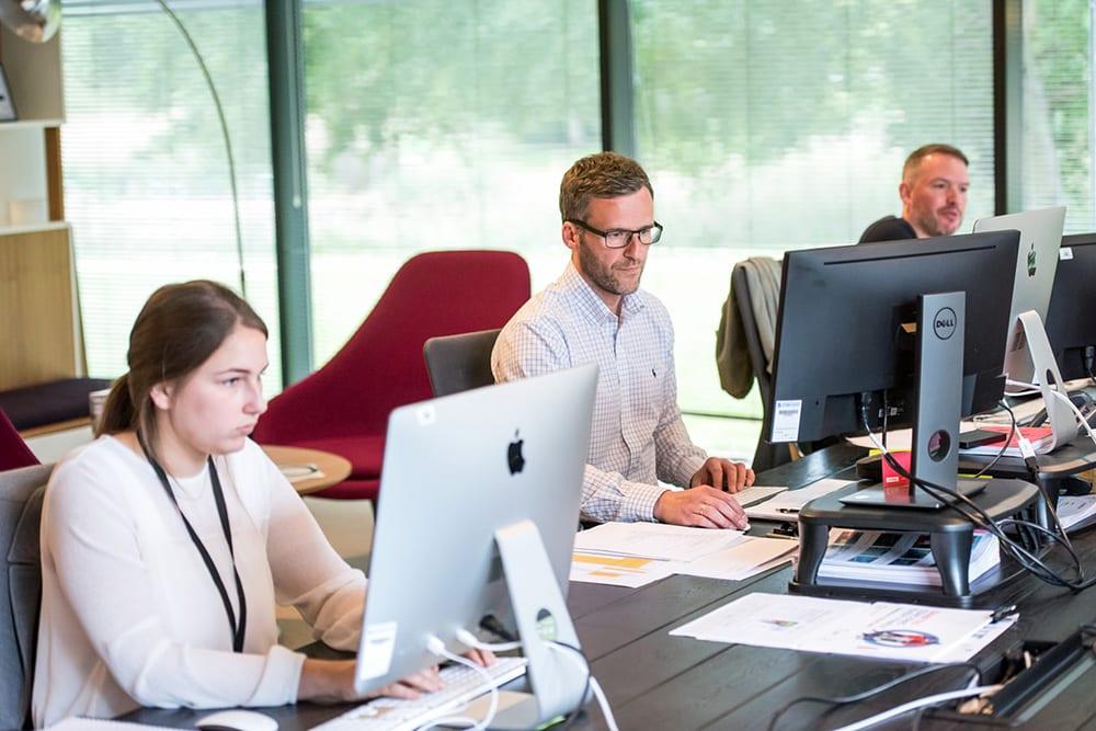 Bald plant die KI für Sie: automatische Planungsvorschläge in der Personaleinsatzplanung