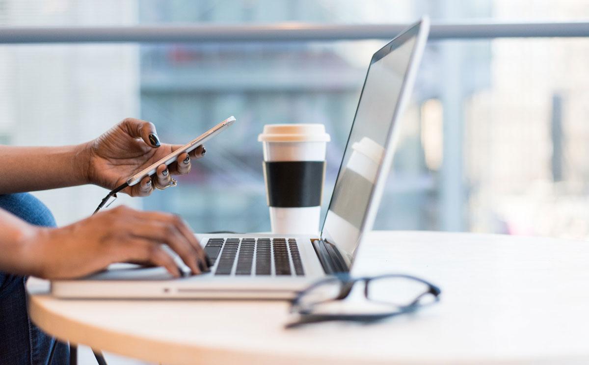 Ist Flexarbeit die Zukunft? Hybride Arbeitsformen umsetzen